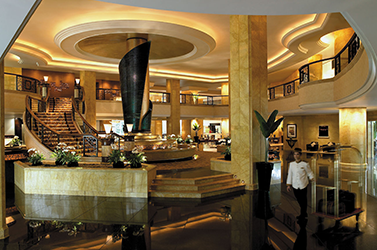 Shangri-La Hotel (Luxury 5 Star)